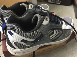 Athletic works running shoes