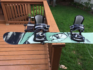 Like new snowboard for sale