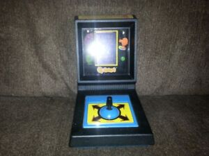 1983 Mini Arcade Q-bert,Tabletop game,Great shape