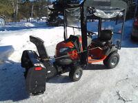 Tracteur HUSQVARNA YTH22K48 2015 13 HRS au compteur ( NEUF)