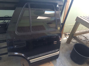 GMC CHEV BLAZER JIMMY REAR PASSENGER RIGHT DOOR SLT Strathcona County Edmonton Area image 1