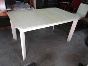 Table de cuisine en chene blanchis..je suis a sainte martine