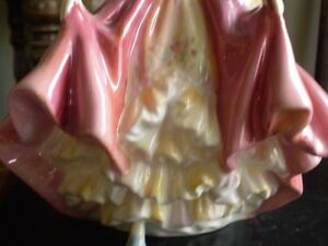 "Royal Doulton Figurine - "" Southern Belle "" HN 2229 Kitchener / Waterloo Kitchener Area image 5"