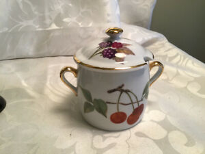 Nice Royal Worcester Evesham Covered Jam Pot