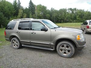 2003 Ford Explorer Limited Edition SUV, Crossover