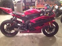 Yamaha R6 with Graves full system