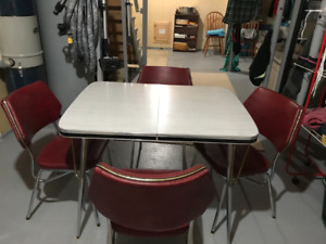 Chrome kitchen table with 4 chairs