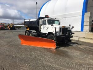 Camion à neige international s 2500