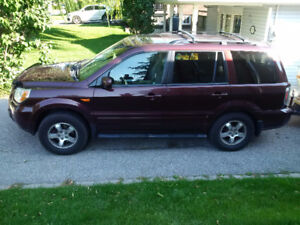 2007 Honda Pilot EXL 4x4 w Leather, Navi, DVD & Sunroof