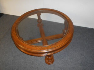 Excellent condition Coffee table!(Can deliver)