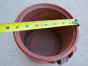 "Hand-made Ceramic Planter, 7 1/4"" round x 6 3/4"" Windsor Region Ontario image 3"