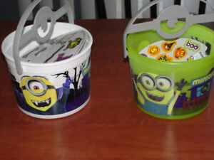 Minions buckets set of two