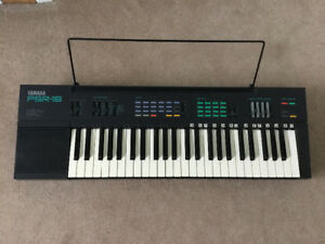 Yamaha PSR-16 electronic keyboard  & synthesizer