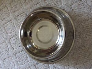 Stainless Steel Dog Dish ... As shown in pictures... Large size