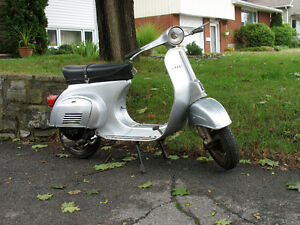Vintage small frame VESPA - great winter project!