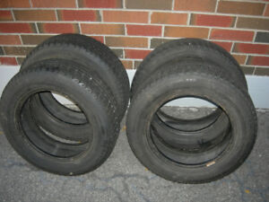 Selling 4 michelin x-ice tires 175/65r14