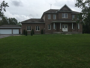 Beautiful Estate Home On 1.7 Acres Just Minutes To Kanata