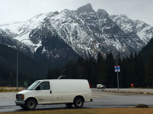 2002 GMC Savana V8 5 L - Campeur a vendre / Camper van for sale