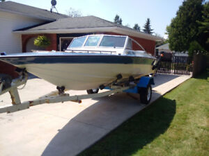 """Fall Special""   RDL  17.5 ft Bow Rider"
