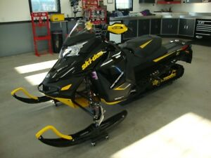 FOR SALE:  2014 SKI DOO SNOWMOBILE IN EXCELLENT CONDITION