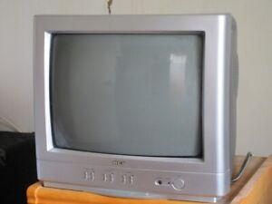 Petite télé 14 pouces