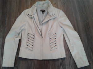 Beautiful Danier Leather Jacket! Fits Women's Medium / Large