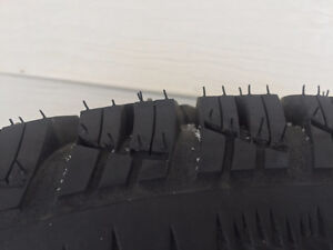 *BRAND NEW* 225 70 R16 *Aggressive Snow* Studded Winter Tires