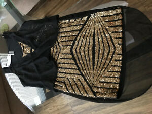 Beautiful black dress with gold sequins (M) - brand new