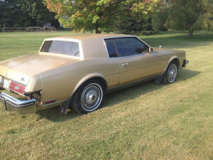 1985 Buick Riviera Coupe (2 door)