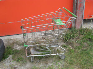 two grocery carts in good condition Gatineau Ottawa / Gatineau Area image 1