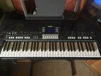 Yamaha digital keyboard psr s550