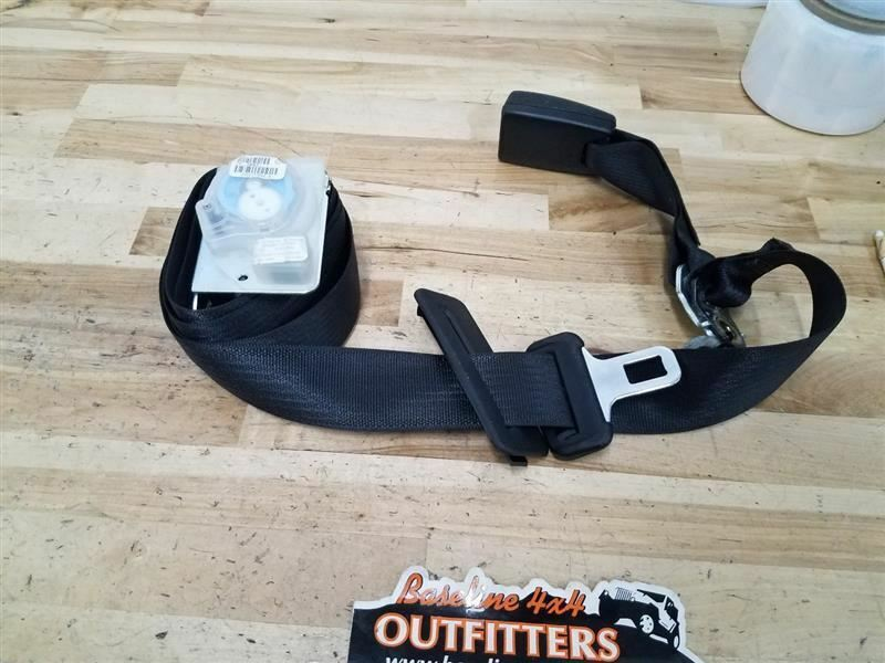 Dodge Challenger OEM Center Rear Seat Belt Retractor and Outer Buckle 2015 27571