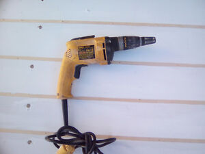 Perceuse dewalt de 251