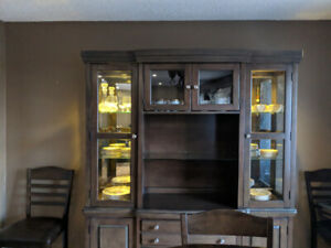 Hutch/China Cabinet with lighting
