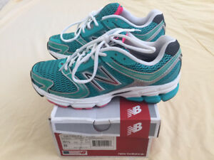 Brand New Women's New Balance 730 V2 All-Terrain Running Shoes