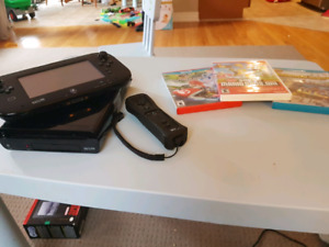 32gig Nintendo Wiiu with two controllers and games
