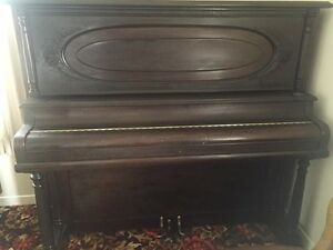 PIANO ANTIQUE DE MARQUE CAPEN