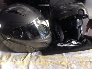 2 Casques modulaires Zox