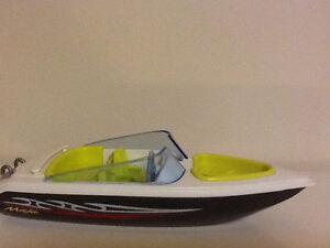 Play mobile boat Kitchener / Waterloo Kitchener Area image 1