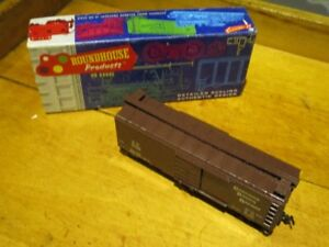 Roundhouse #1056 : HO CANADIAN Pacific CP 37282 40' Box Car Kit