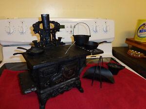 Vintage Sales Sample Crescent stove