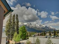 Beautiful Canmore Townhouse - 2 bedroom 1.5 Bathroom
