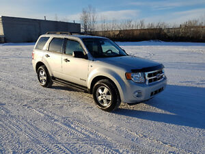 2008 Ford Escape, V6, 4WD, Loaded, Leather, 165,000 km.