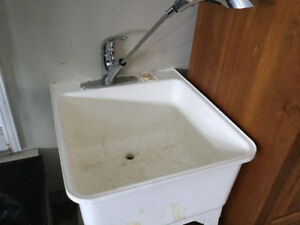 Laundry Tub with Pull out Faucet