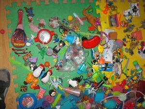 Box full of small toys over 30 pounds in box Cambridge Kitchener Area image 6