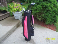 Junior Girl's Right Hand 5-pc Golf Clubs Set & Bag