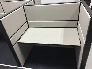 Refurbished Office Cubicles Like New Condition Any Size & Colour Windsor Region Ontario image 2