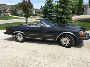 Mercedes Benz 1986 560SL Convertible