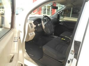 2012 Nissan Frontier SV V6 King Cab 4WD Peterborough Peterborough Area image 11