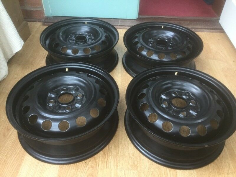 peugeot 107 set of steel wheels, fit also toyota aygo or citroen